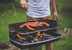 Aménager coin barbecue jardin